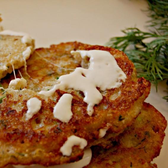 Burnočių sėklų blynai su sūriu ir žolelėmis