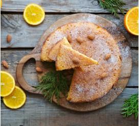 Kalėdinis migdolų pyragas su slyvų kauliukų aliejumi, be glitimo