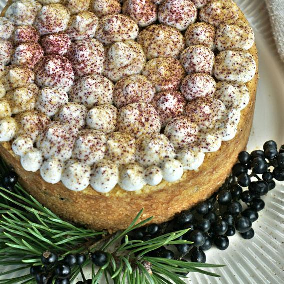 Migdolinis apelsinų pyragas su slyvomis (be glitimo)