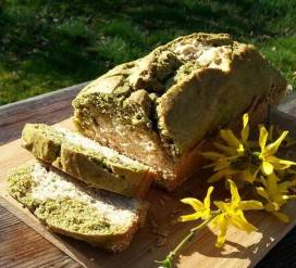 Veganiškas marmurinis pyragas su matcha ir sezamais